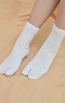 Japanese Bleach Tabi Geta Two Toe Socks