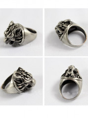 Final Fantasy Cloud Strife Wolf Head Ring