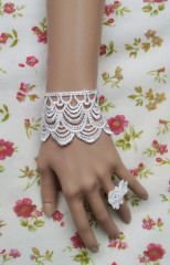White crown lace lolita wrist band