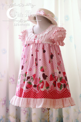 White moon pink strawberry chocolate print T silhouette lolita d