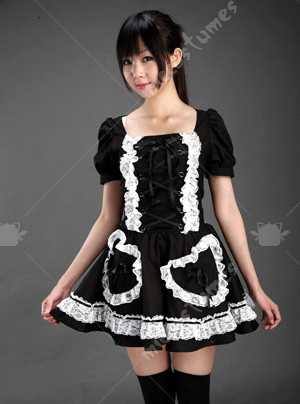 black lolita dress with short sleeves