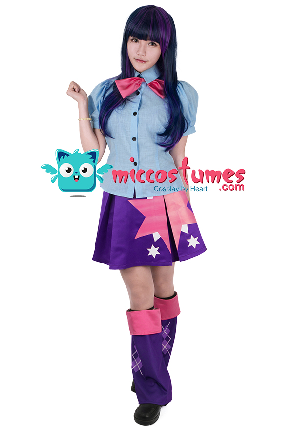 9ab76f4b3011 ... parts of the accessories are different from the images. There may be  some minor alterations. This costume includes blouse, bowknot, skirt, shoe  covers×2